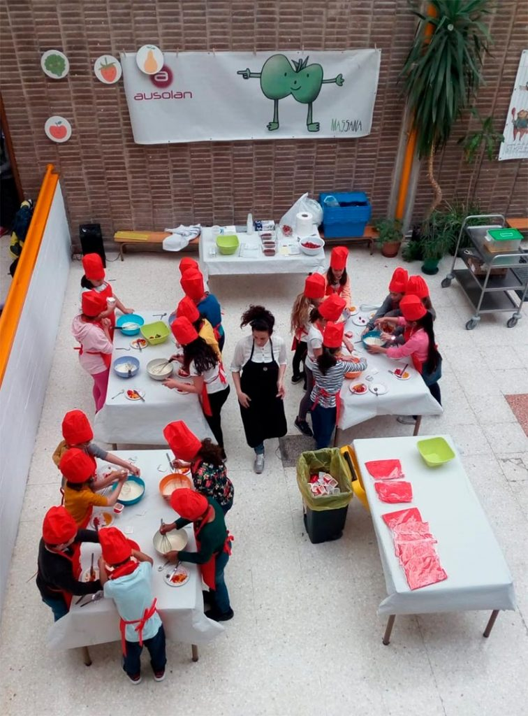 Niños cocinando